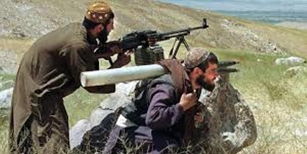 Taliban'dan Afgan ordusuna pusu kurdu: 8 ölü