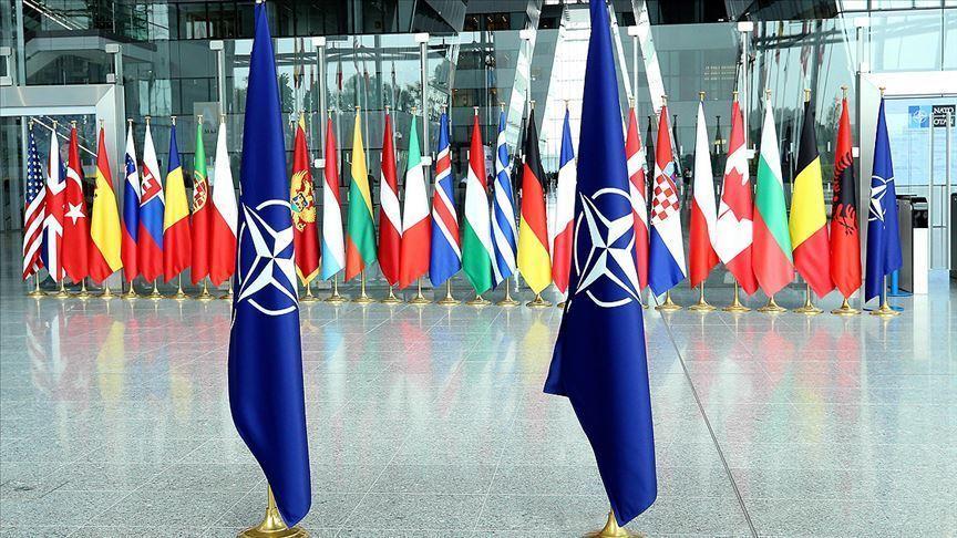 NATO, Irak'taki eğitim misyonunun faaliyetlerini askıya aldı