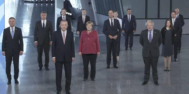 NATO'da liderlerden aile fotoğrafı