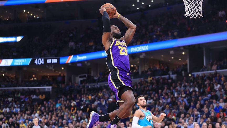 NBA'de Bucks ve Lakers galibiyet serisini 7 maça çıkardı