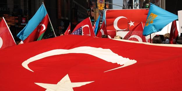New York'ta ERMENİ YALANLARI protesto edildi