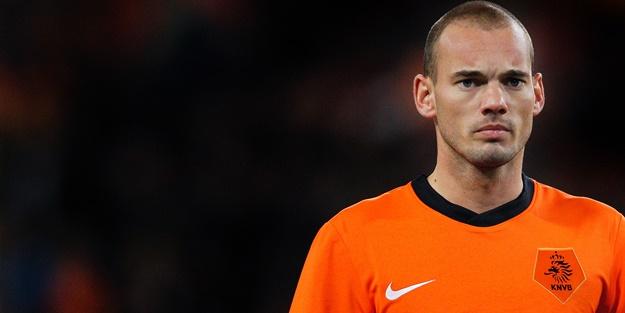 Nice taraftarları Sneijder'i protesto etti