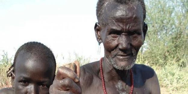 Nijeryalı kabile bölgelerine düşen ABD İHA'sına el koydu!