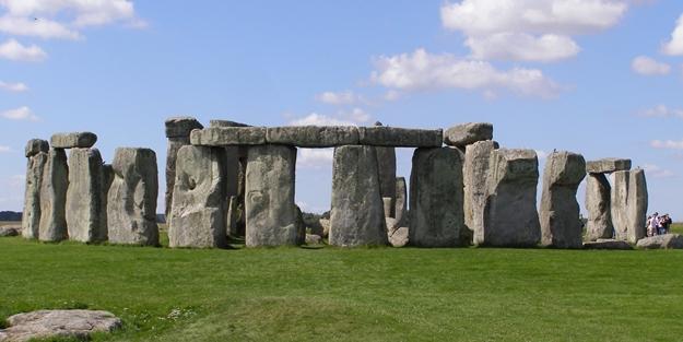 O anıt taşlar taşındı mı?