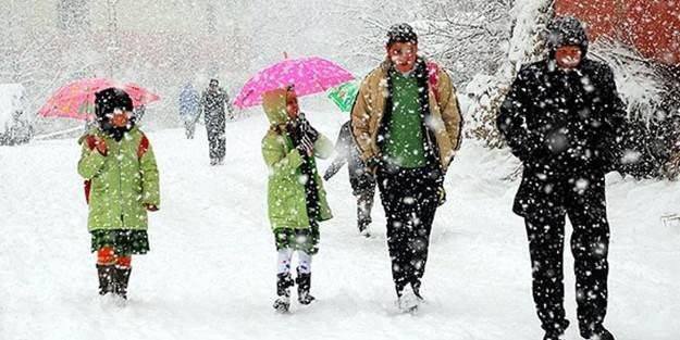 O ilde kar yağışından dolayı okullar tatil edildi