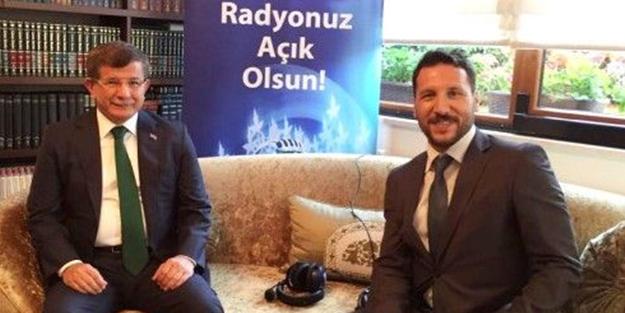 O radyonun haber müdürü Davutoğlu'nun ekibinde!