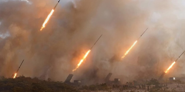 O ülkeden dünyaya gözdağı: Balistik füzeleri peş peşe fırlattılar