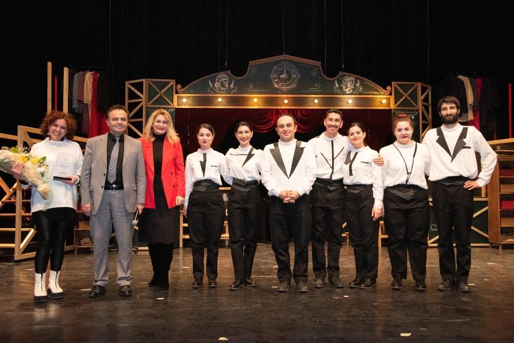 Odunpazarı Belediye Tiyatrosu Zamazingo ile Bilecik'te