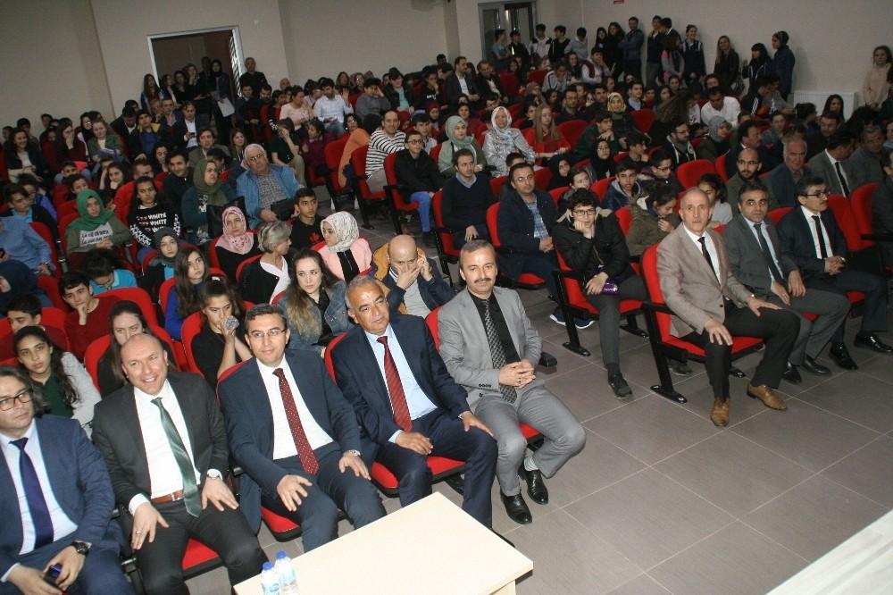 Öğrenciler bilgilerini davetlilerle paylaştı