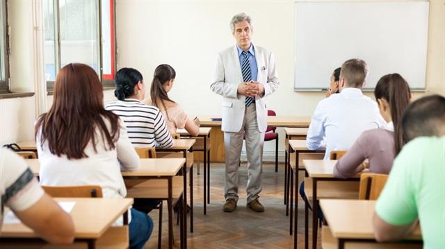 Öğretmenler ders saatlerini düşürmek istiyor