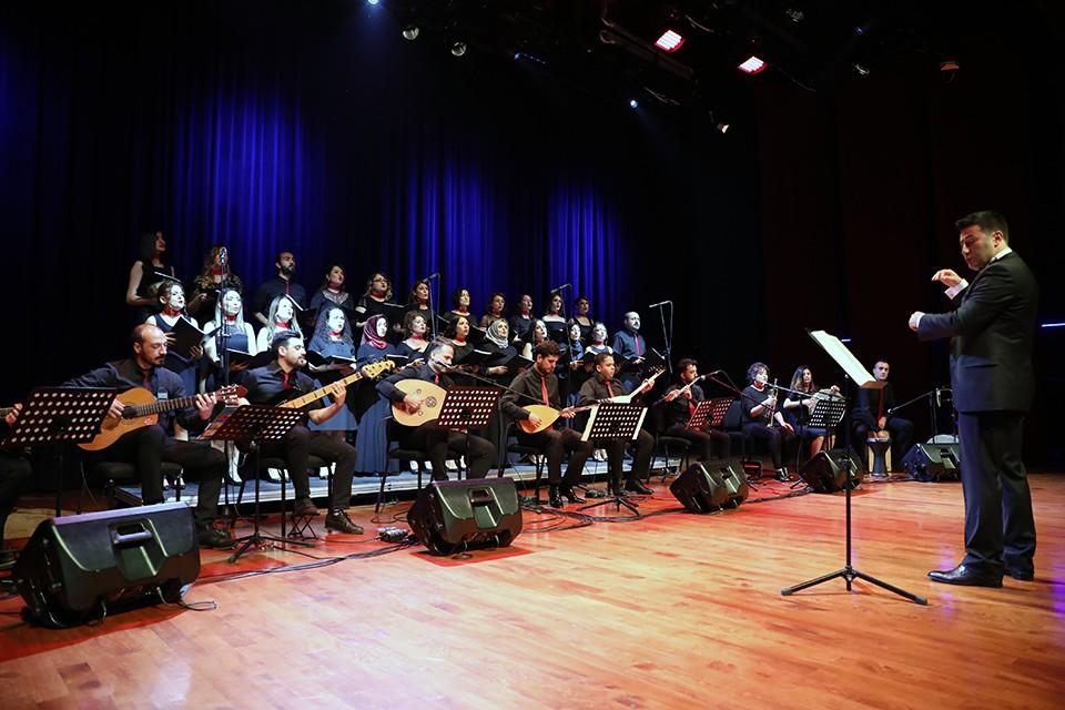 Öğretmenlerden öğrencilere müzik ziyafeti