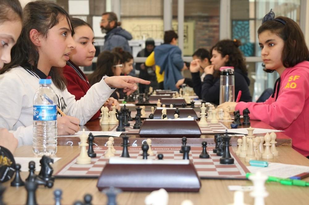 Okullar arası küçükler satranç sona erdi