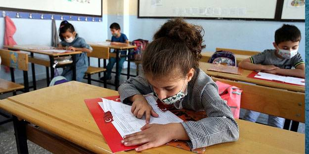 Okulların açılması ertelecek mi? Okullar ne zaman açılacak? MEB 2021-2022 okulların açılış tarihi