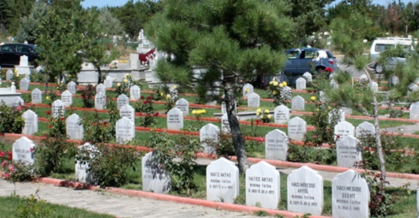 Ölüyü mezara kadar 3 şey takip eder... Ölenin arkasından neler yapılabilir?