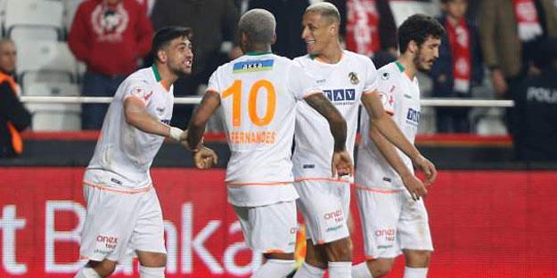 Olympiakos, Alanyaspor'un yıldızı Junior Fernandes'e talip oldu
