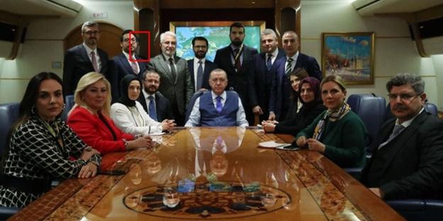 Önceki fotoğrafta saklanmıştı! Ahmet Hakan bakın bu kez ne yaptı?