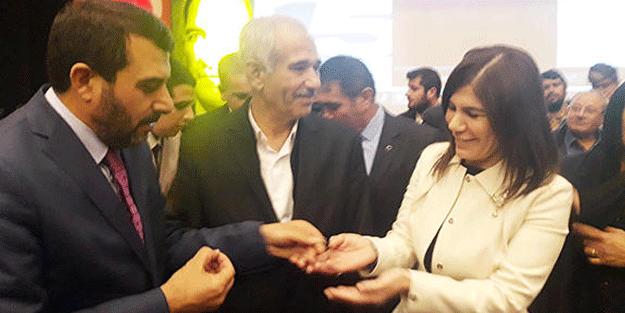 Onlarca kişi CHP'den istifa edip AK Parti'ye geçti