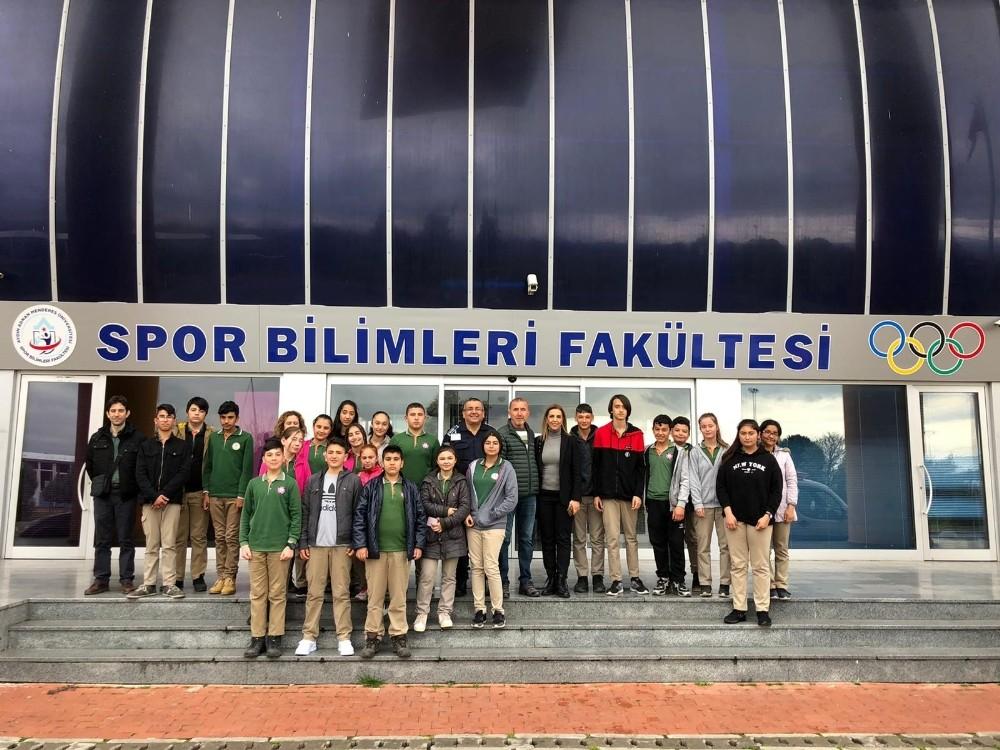 Ortaokul Öğrencileri bakanlık projesi kapsamında ADÜ kampüsü ziyaret etti