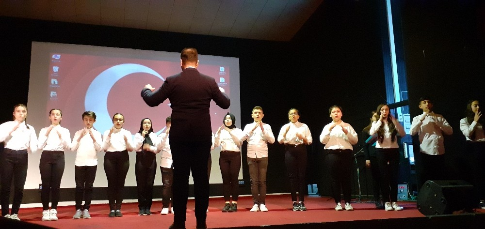 Osmancık'ta işaret diliyle İstiklal Marşı okundu