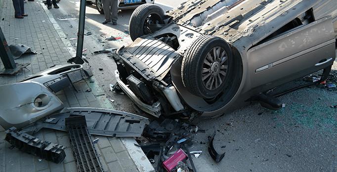 Osmangazi ve Orhangazi'de trafik kazası: 4 yaralı