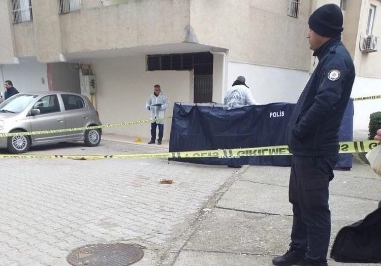 Osmaniye'de 8. kattan düşen yaşlı kadın hayatını kaybetti
