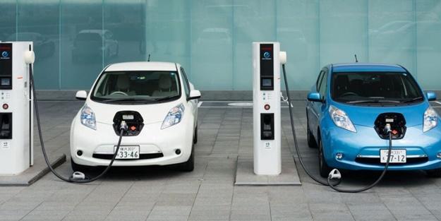Otomobil fiyatları düşecek mi? Tarih verildi