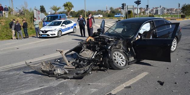 Otomobil ile kamyon çarpıştı: Yaralılar var