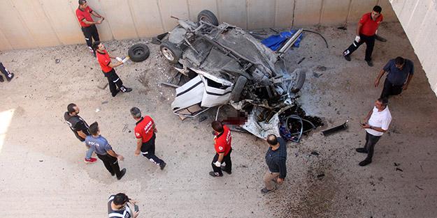 Otomobil otoyoldan alt geçide düştü! Feci kazada olay yerinde can verdi