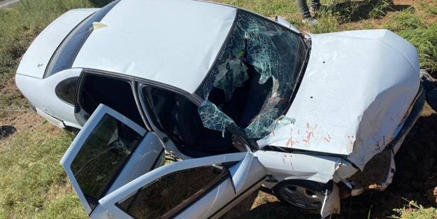 Otomobil şarampole devrildi: Yaralılar var
