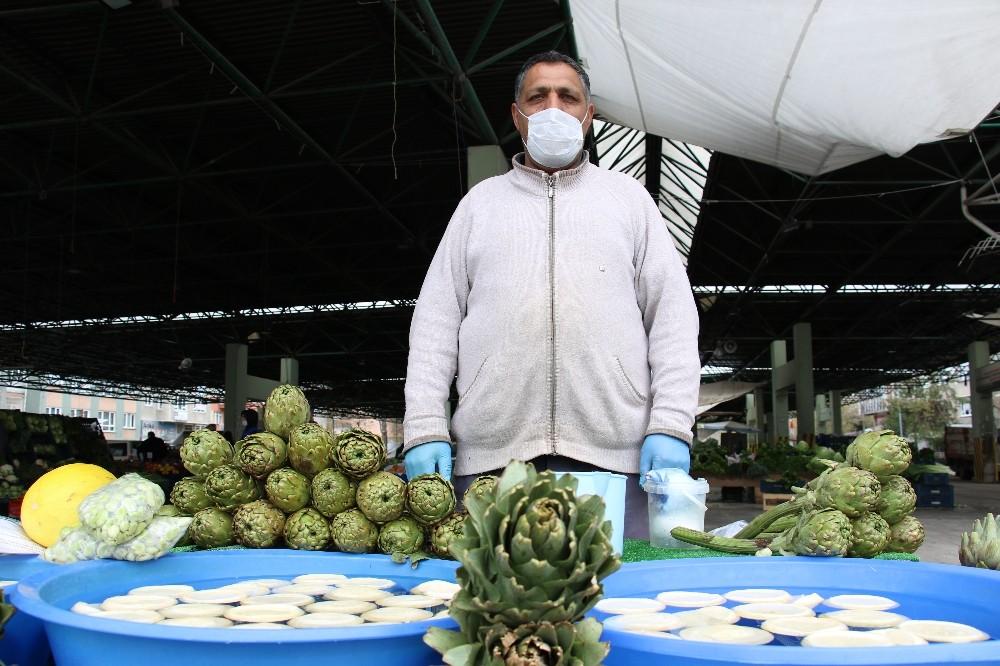 (Özel) Ankara pazarlarında korona virüs tedbirleri etkili oldu