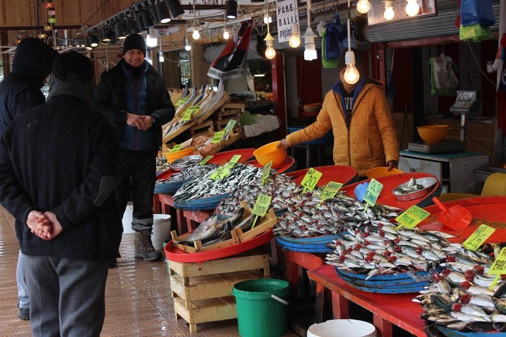 (Özel) Balık fiyatları yüzde 50 düştü