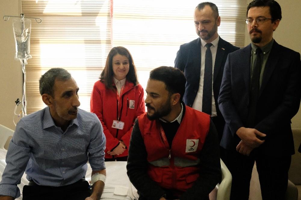 (Özel) Bombalı saldırıda çenesini kaybeden adama Türk hekimleri umut oldu