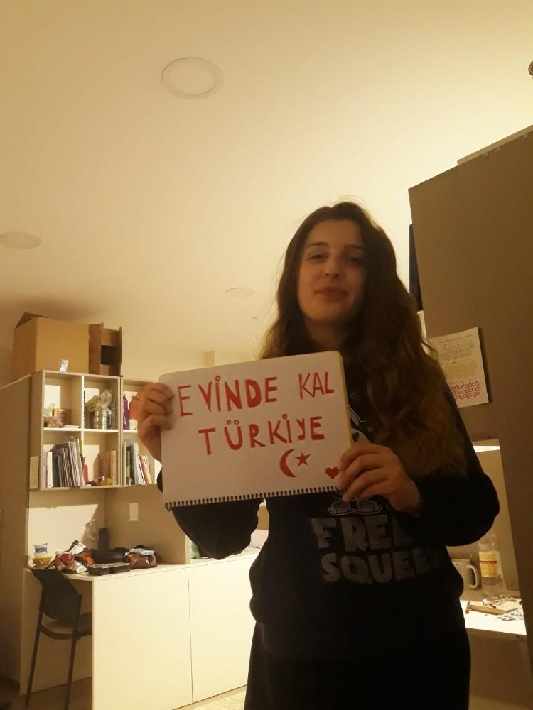(Özel) Farklı milletten öğrencilerin 'Evde kal Türkiye' çağrısı