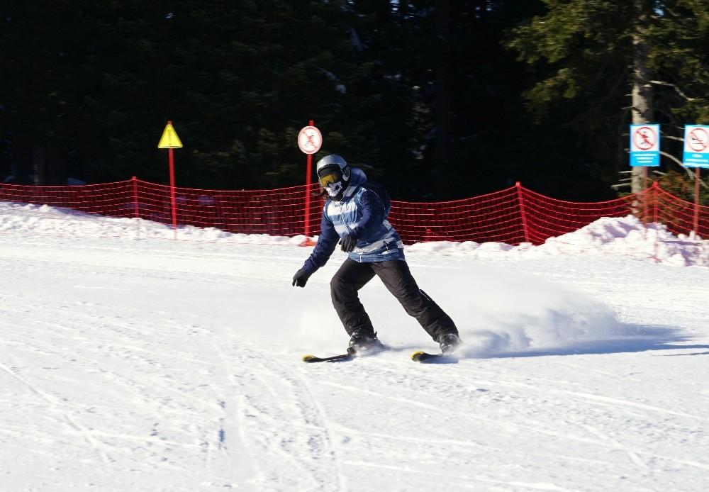 (Özel haber) Karnelerini alan öğrenciler, kayak merkezlerine koştu