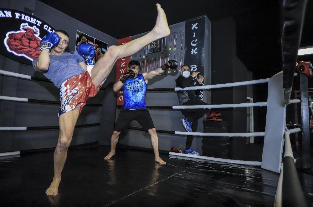 (Özel Haber) Kick Boks'ta aylar sonra antrenman heyecanı