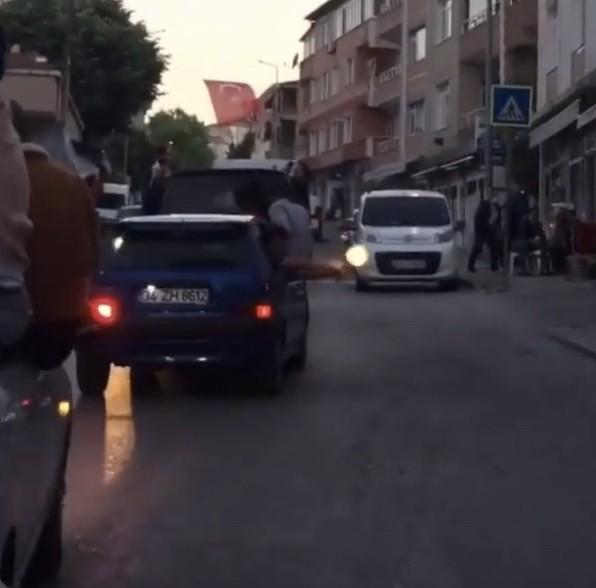 (Özel) İstanbul'da asker uğurlama eğlencelerinde dehşete düşüren görüntüler kamerada