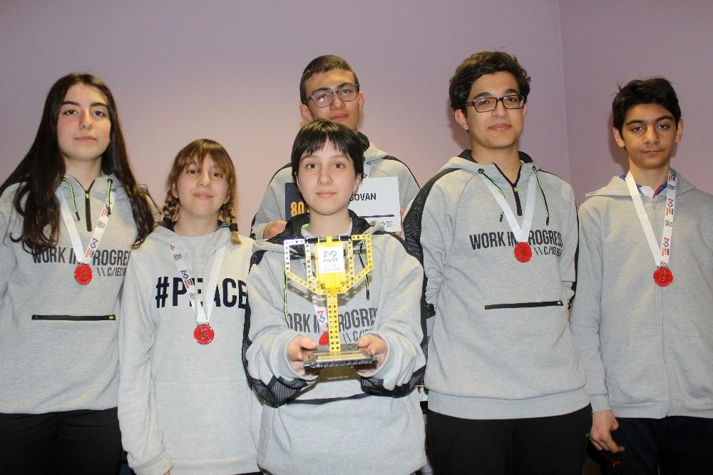 Özel yetenekli öğrenciler, uzay sorunlarını çözen robot tasarladı
