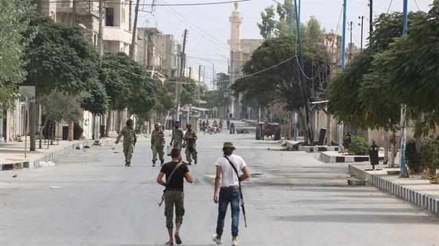 Özgür Suriye Ordusu bir köyü daha ele geçirdi