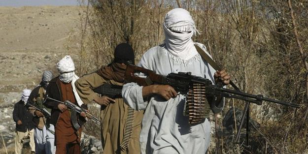 Pakistan duyurdu: 8'i öldürüldü