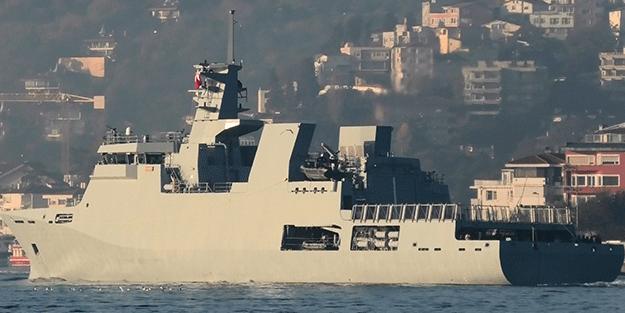 Pakistan savaş gemisi Boğazdan geçti! Gemide dikkat çeken detay