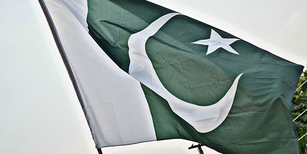 Pakistan'da, Hz. Muhammed'i anma töreninde patlama!
