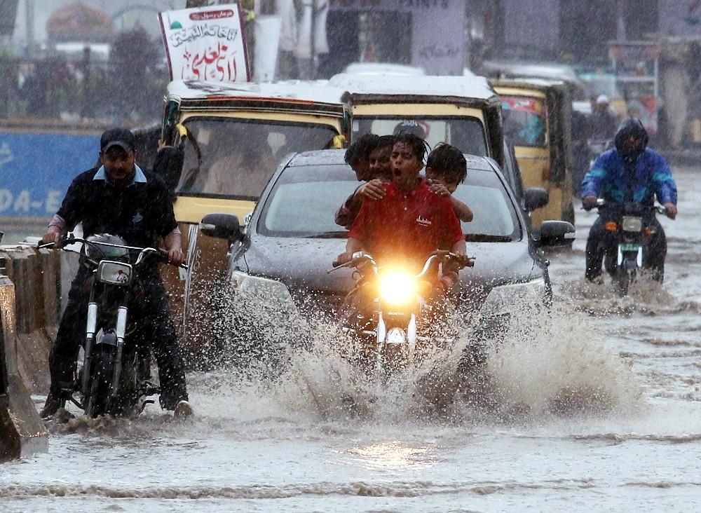 Pakistan'daki sel felaketinde ölü sayısı 17'ye yükseldi
