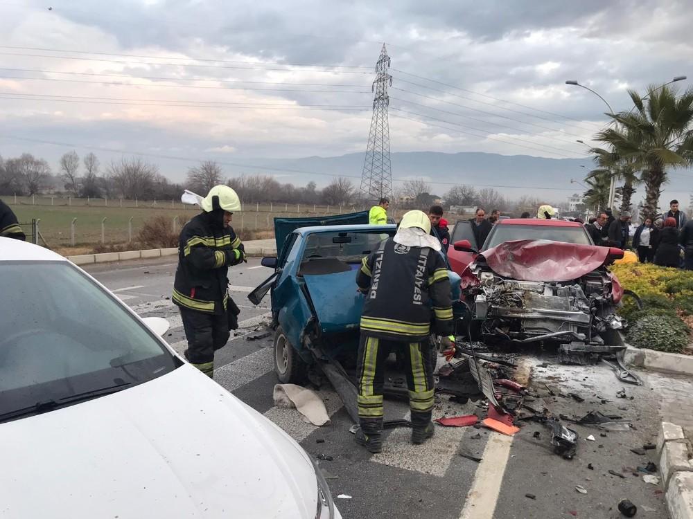 Pamukkale yolunda trafik kazası: 2 yaralı