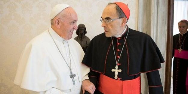 Papa'dan skandal karar! Tacizci kardinalin istifasını reddetti