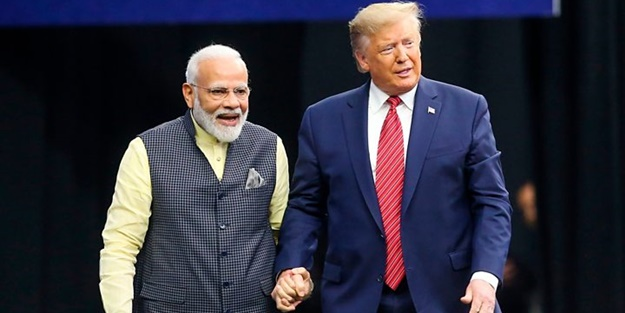 Parayı alan Trump İslam düşmanı Modi'yi böyle cilaladı: Dini özgürlük için çalışıyor
