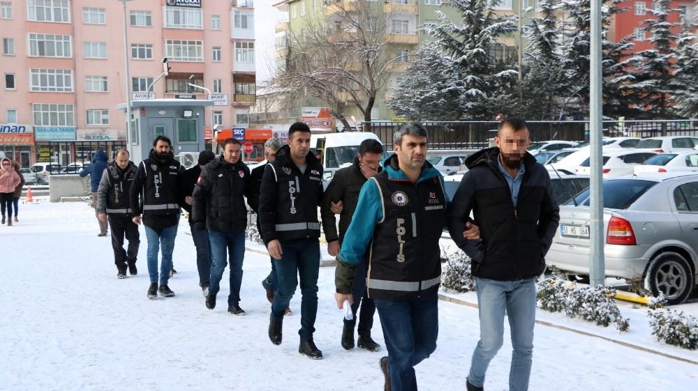 'Parazit' Operasyonunda gözaltına alınan şüpheliler adliyeye sevk edildi