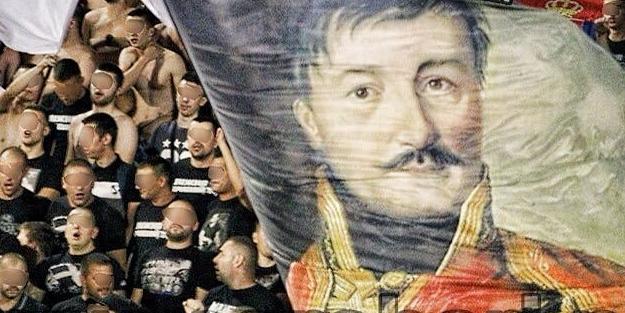 Partizan taraftarından alçaklık: Sultan Murat'ı hançerleyen Obiliç için paçavra açtılar!