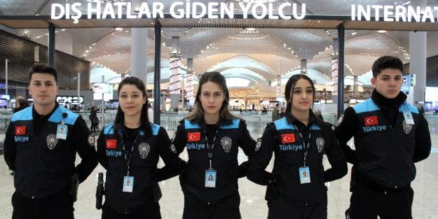 Pasaport polisleri yeni kıyafetlerini giydi! Eleştirilen detay unutulmadı