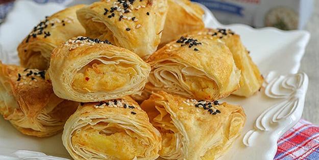 Patatesli üçgen börek nasıl yapılır? Patatesli üçgen börek tarifi ve malzemeleri