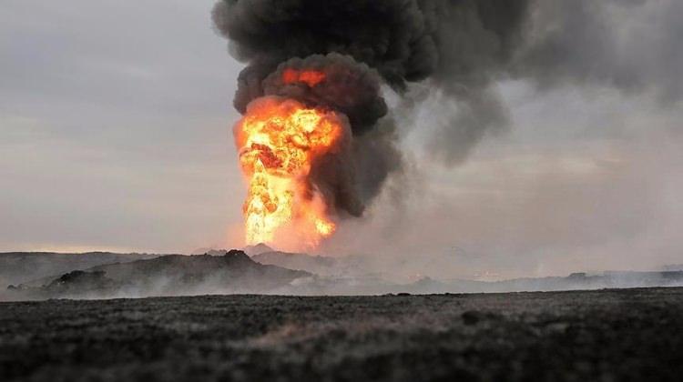 Petrol kuyusuna saldırdılar! En az 30 ölü